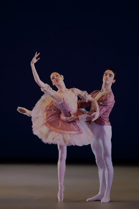 NYIBC Silver Medalists Amber Neumann and John Mark Giragosian in Paquita. Photo by Whitney Browne.