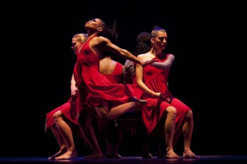 Dayton Contemporary Dance Company in Ulysses Dove's Vespers. Photo by Andy Snow.